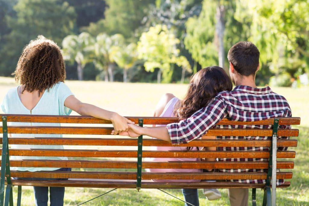 rencontre adultère sur un banc